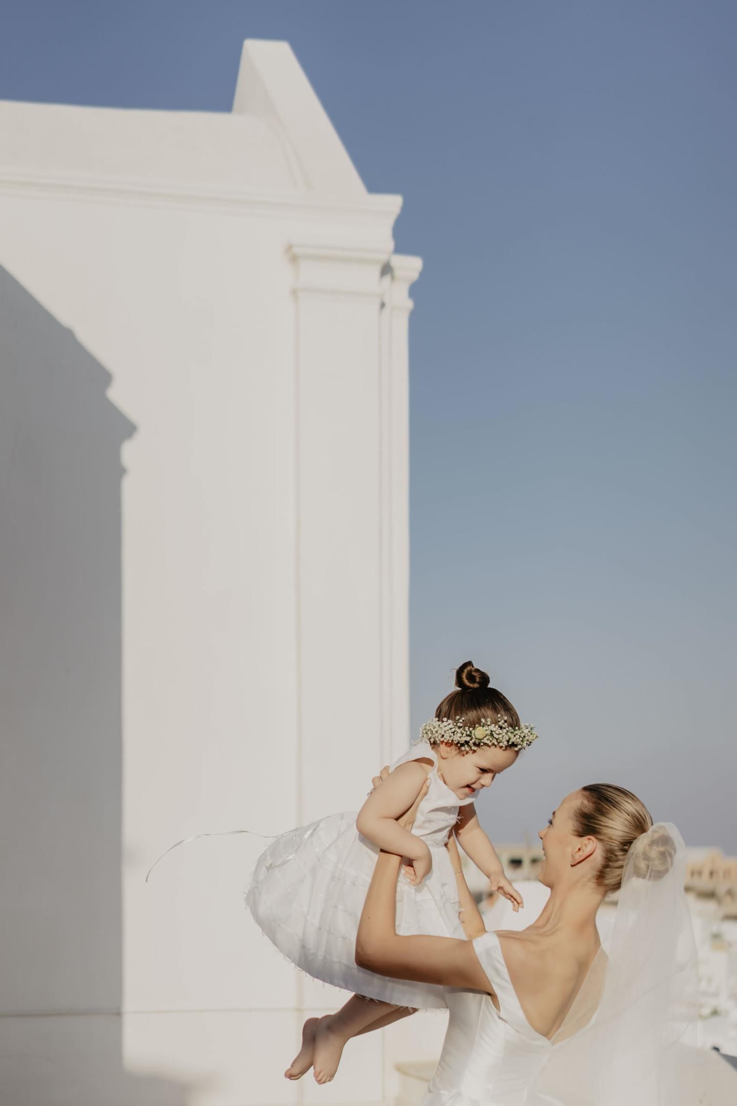 - 29 :: Santorini, a white wedding in a white island :: Luxury wedding photography - 28 ::  - 29