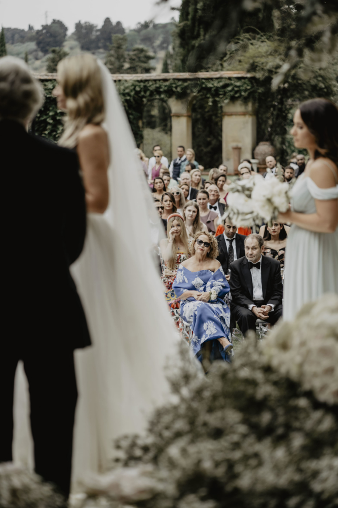 A sparkling wedding on the shore of the Arno :: 42