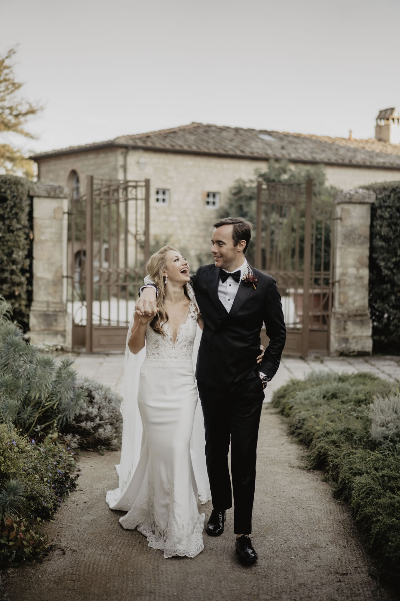 - 35 :: A bride's smile (Wedding in Tuscany) :: Luxury wedding photography - 34 ::  - 35