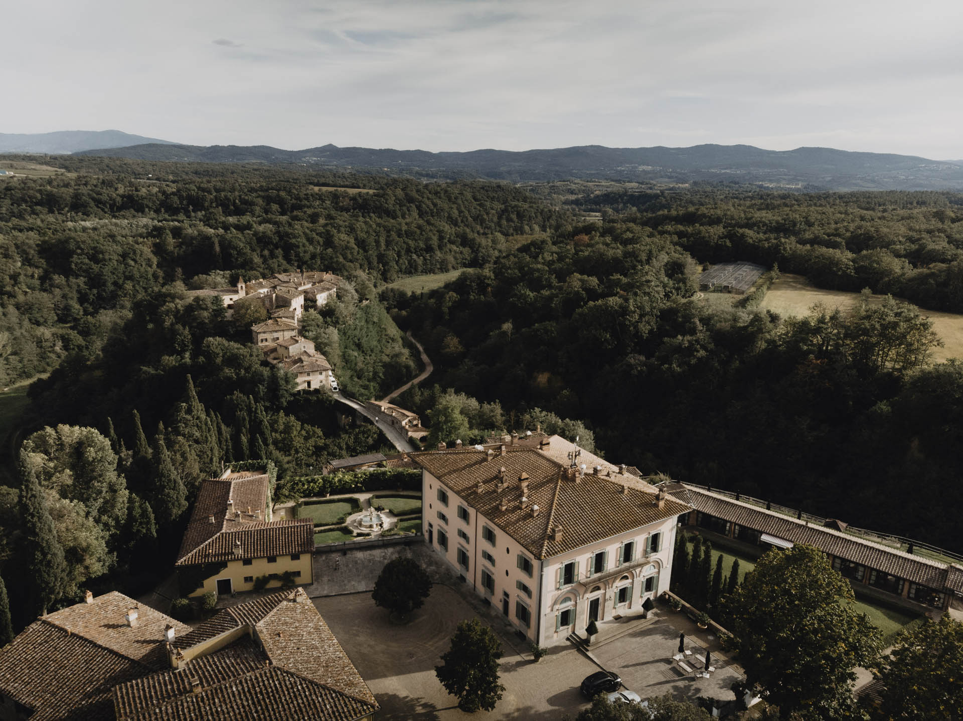 - 17 :: Intimate elegance: an intimate wedding at Il Borro :: Luxury wedding photography - 16 ::  - 17