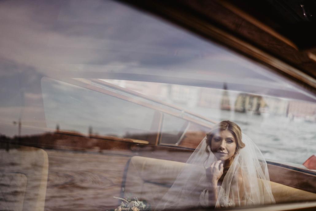 White lagoon: the poetics of a wedding in Venice :: 16