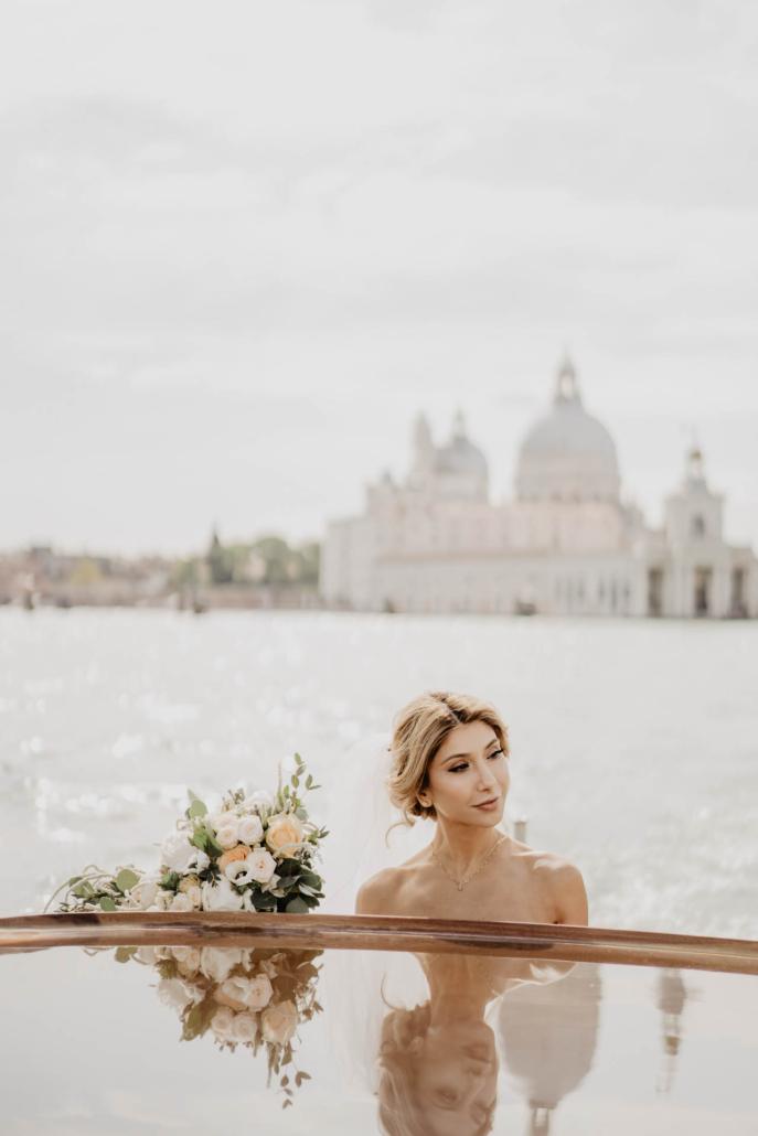 White lagoon: the poetics of a wedding in Venice :: 17