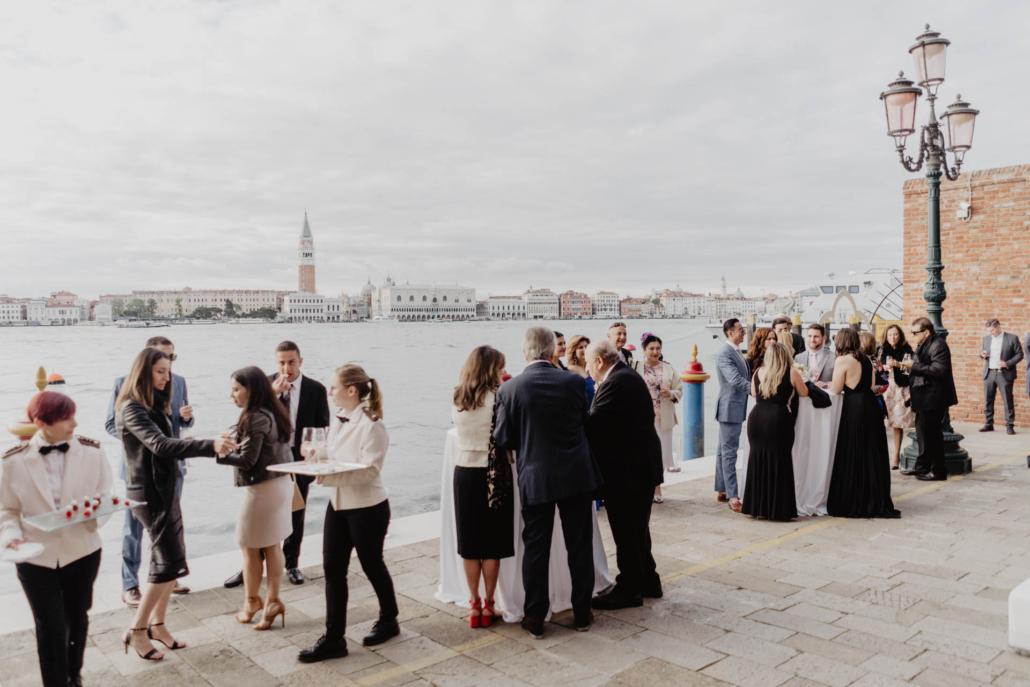White lagoon: the poetics of a wedding in Venice :: 41