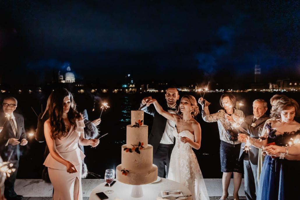 White lagoon: the poetics of a wedding in Venice :: 52