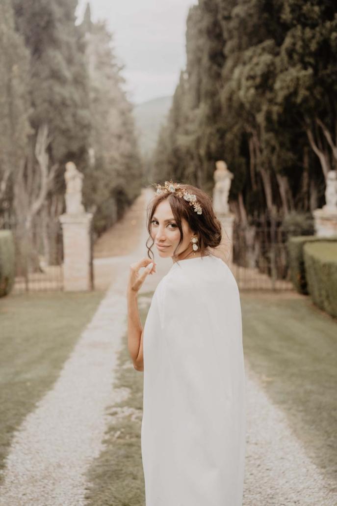A wedding at Stomennano, blending fashion and drama :: 9