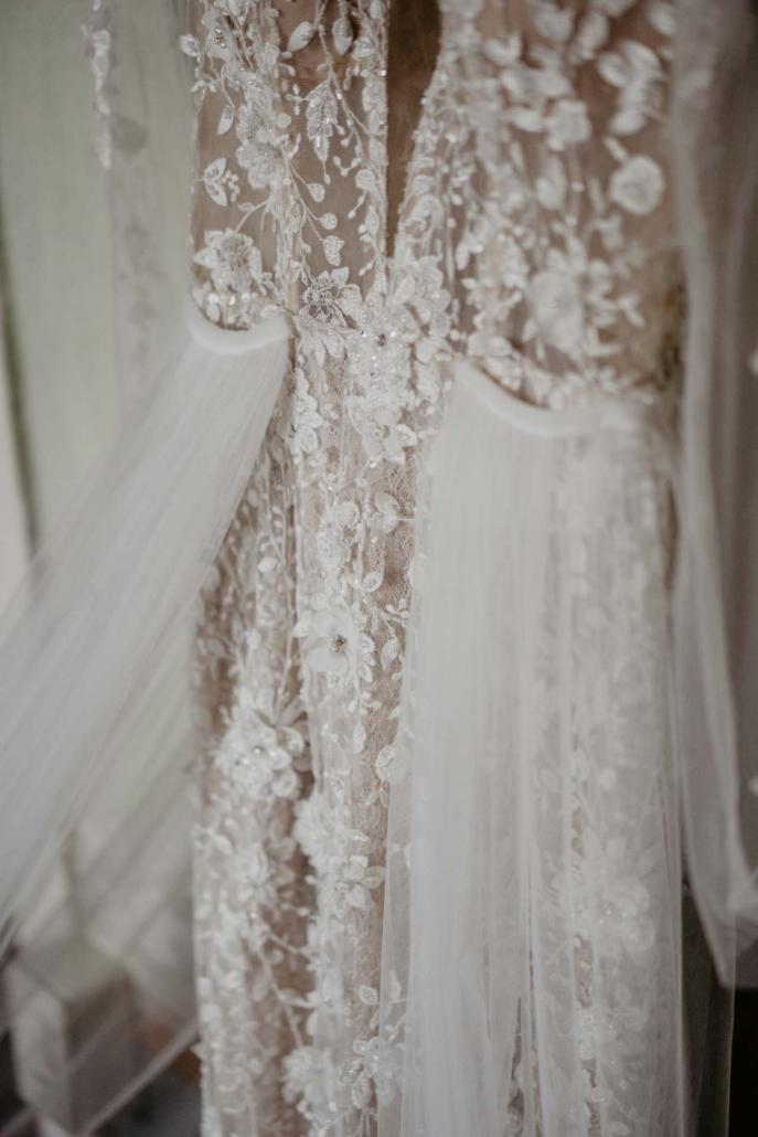 A wedding at Stomennano, blending fashion and drama :: 18