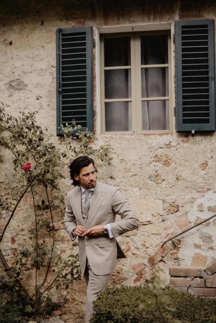 A wedding at Stomennano, blending fashion and drama :: 26