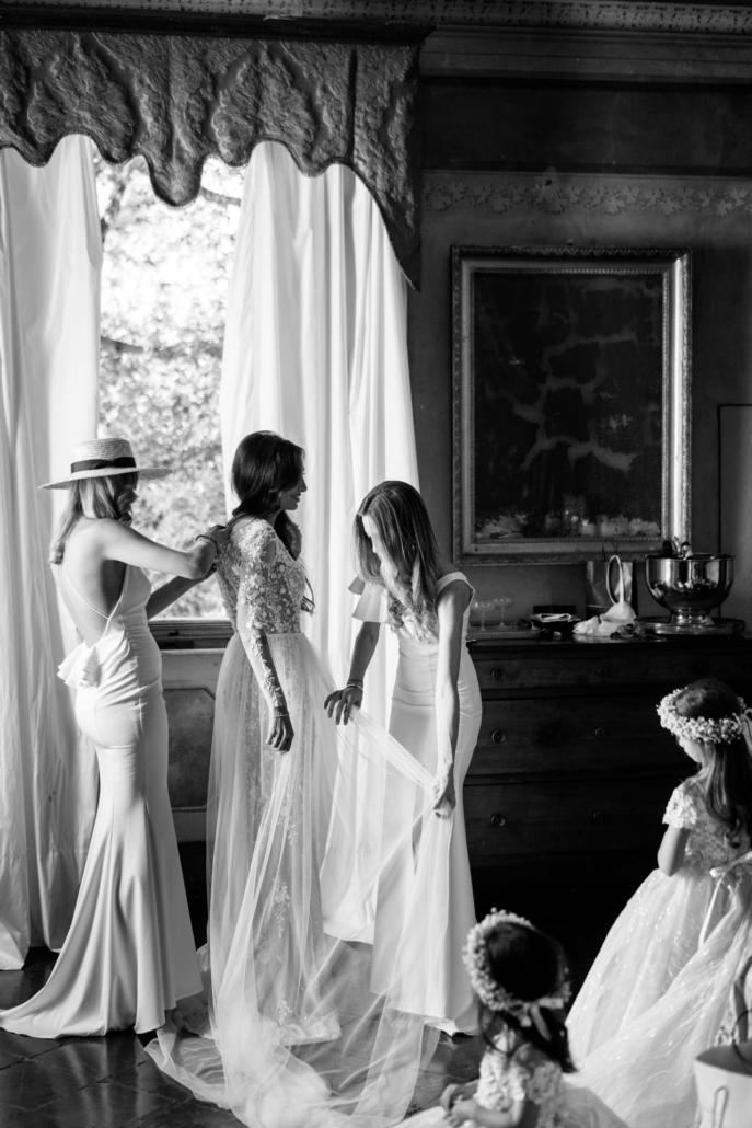 A wedding at Stomennano, blending fashion and drama :: 32