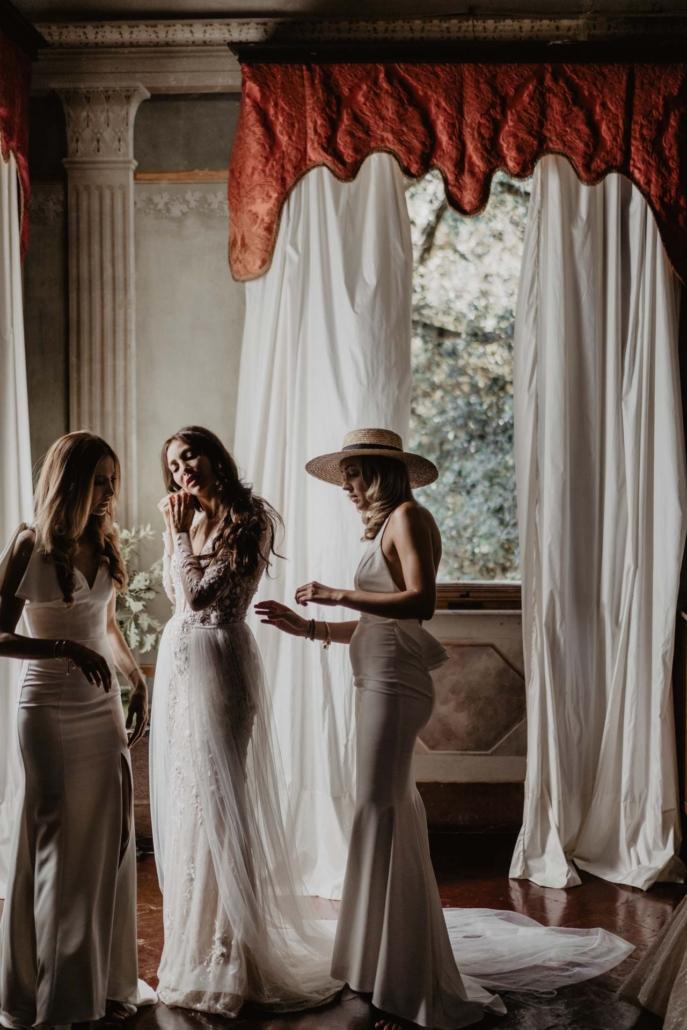 A wedding at Stomennano, blending fashion and drama :: 35