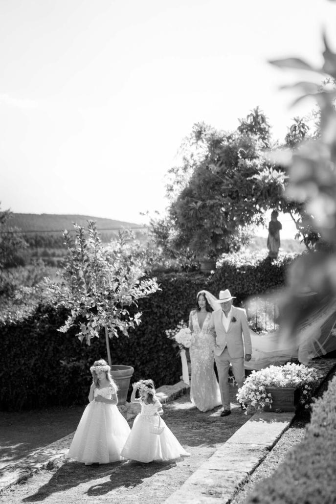 A wedding at Stomennano, blending fashion and drama :: 41
