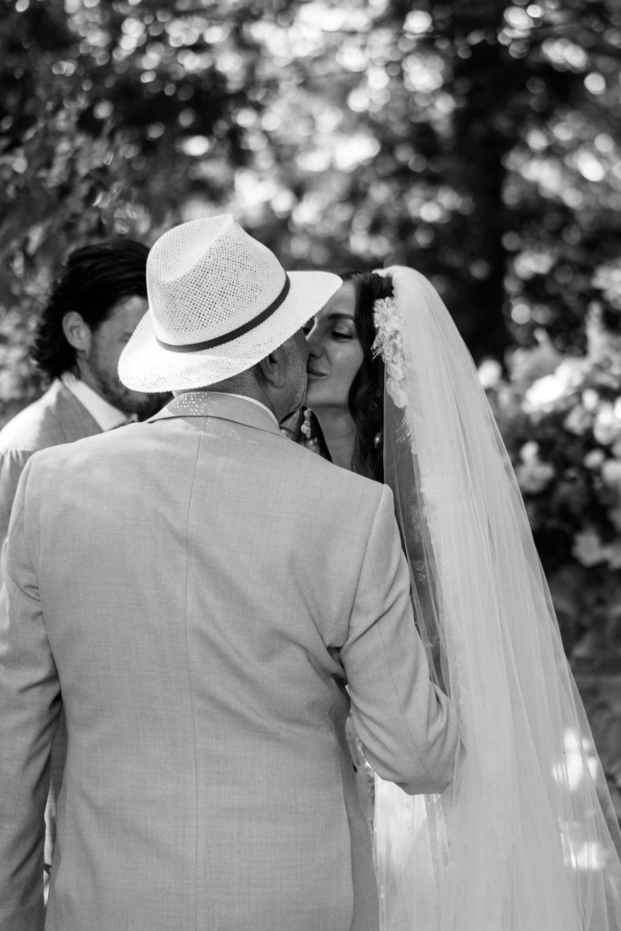 A wedding at Stomennano, blending fashion and drama :: 44