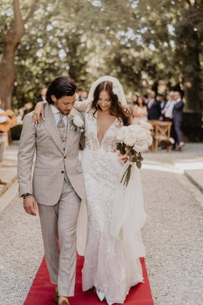 A wedding at Stomennano, blending fashion and drama :: 51