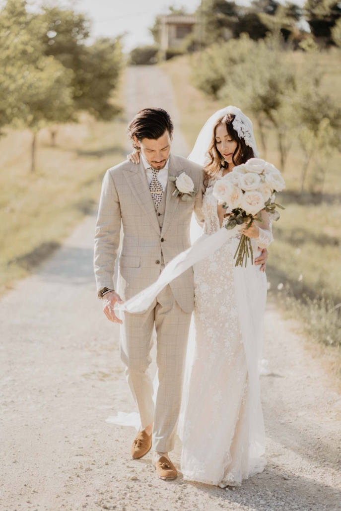 A wedding at Stomennano, blending fashion and drama :: 53