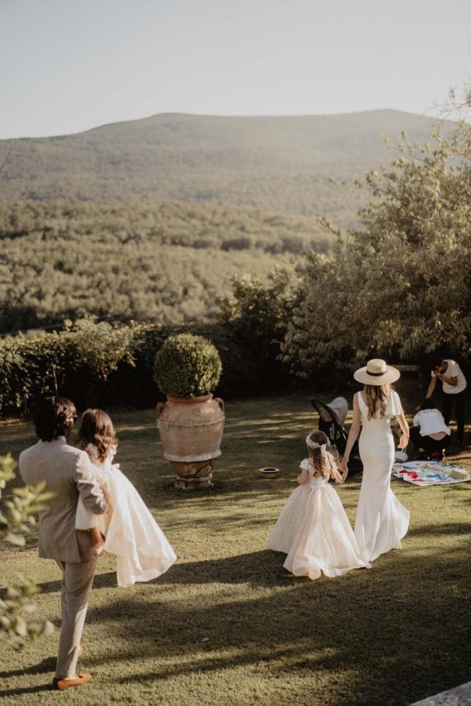 A wedding at Stomennano, blending fashion and drama :: 56