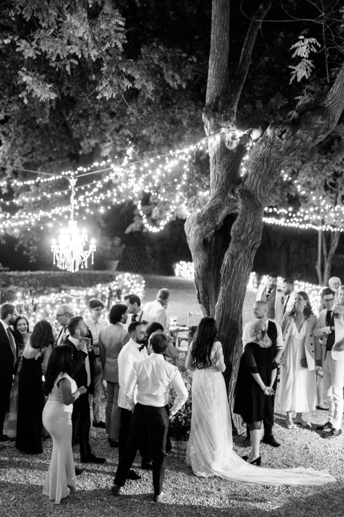 A wedding at Stomennano, blending fashion and drama :: 92